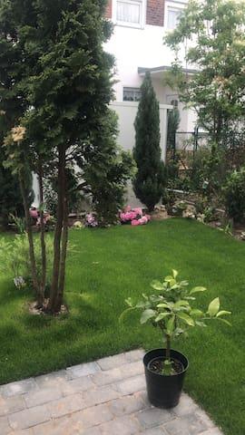Neukölln- mit Garten