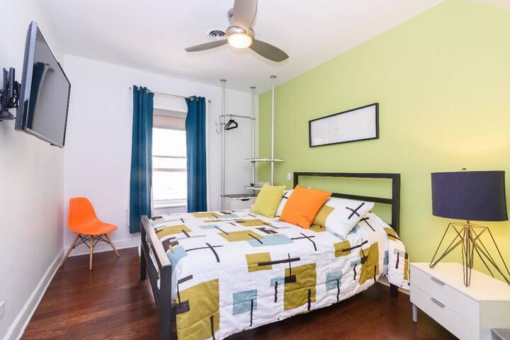 House 5863- Room 2