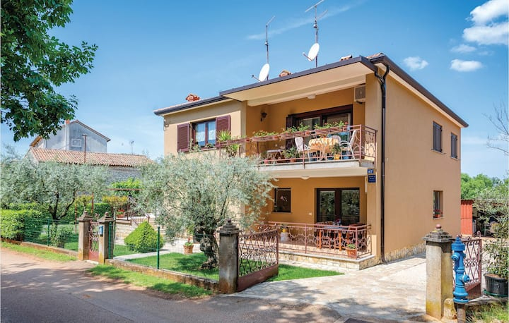 Nice home in Umag with WiFi and 1 Bedrooms
