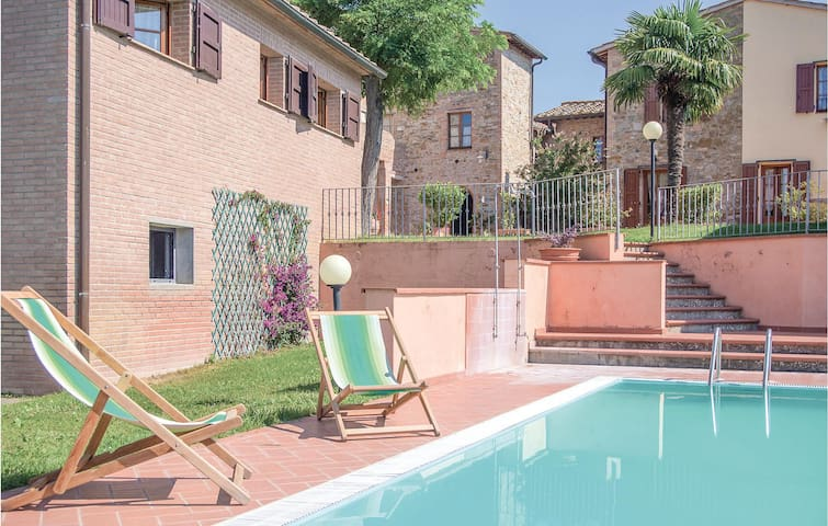 Holiday apartment with 2 bedrooms on 60m² in Montaione FI
