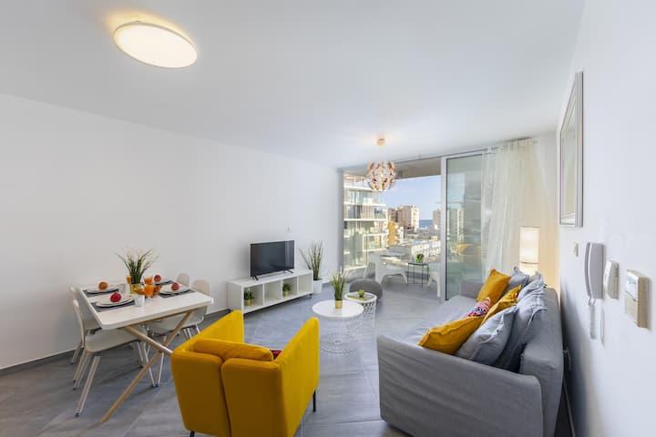 Limassol Emerald Suite, Near to the sea, Center