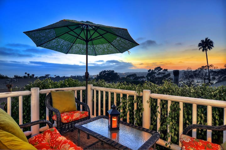 Comfortable home w/ unobstructed panoramic views of the ocean!