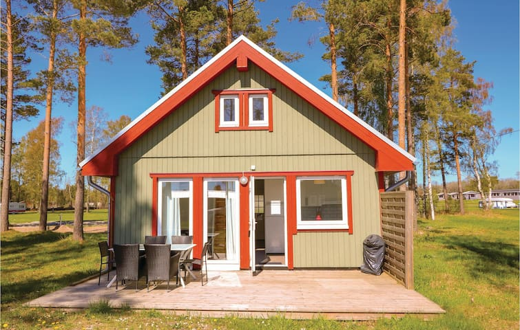 Holiday cottage with 2 bedrooms on 47m² in Löttorp