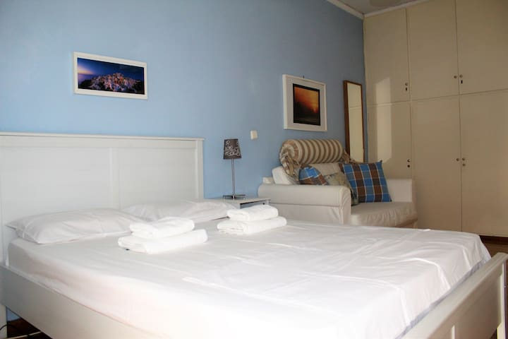 Two bedrooms apartment at Neon Faliron