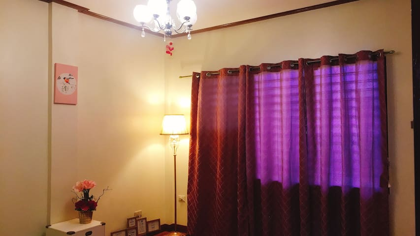 Feminine room can stay for less than 1000pesos