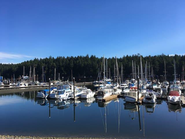 Private, quiet, accessible condo near the water