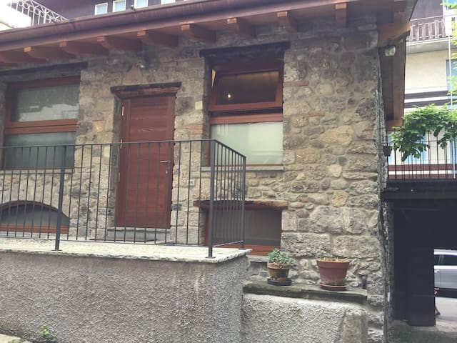 Historical cottage in Clusone center