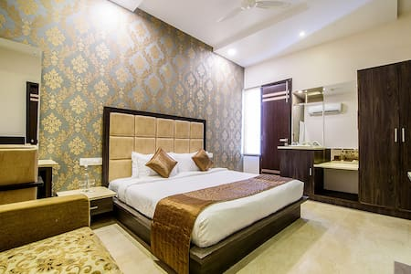 Terrace View Suite by Luxurious Resort Stay - Amritsar - Boutique hotel