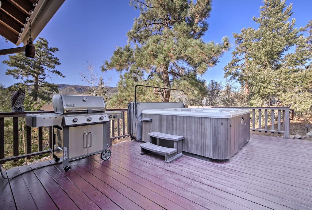 Soak in the private hot tub while you enjoy million dollar views!