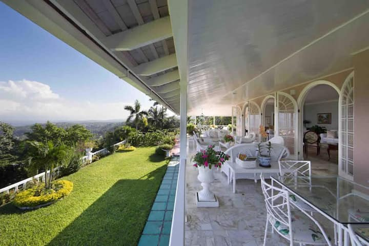 Stonaway Cozy Luxury Villa with sea view