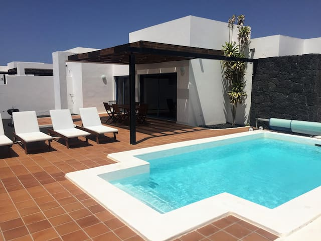 Villa with private heated pool A8