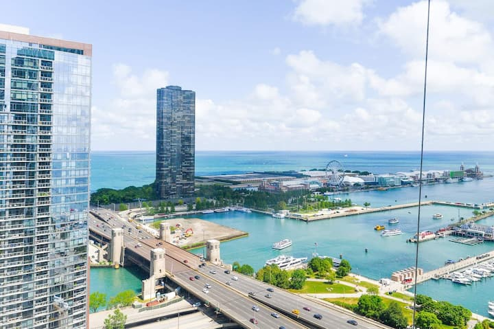 3B/2.5BA Luxury Glass Loft | Breathtaking Views, Indoor Pool, & Gym by ENVITAE | PAID IN/OUT PARKING IN BLDG