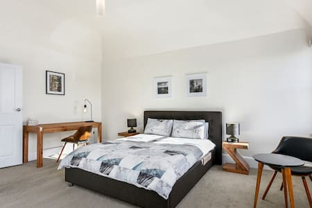 Sunny Central Hobart Apartment 4
