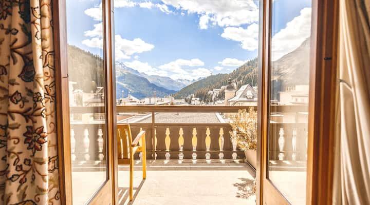 Nenasan Luxury Alp Retreat