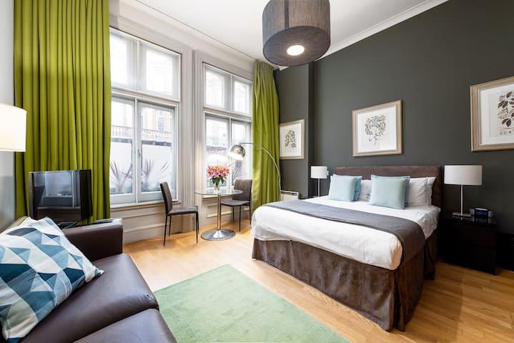 Luxury Apartment in Sloane Square, Chelsea - DP1