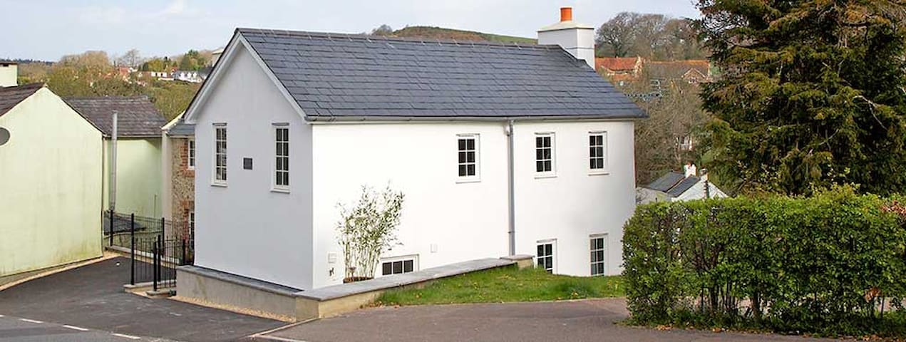 Stamps Cottage & The Beachhut - Lyme Regis - House