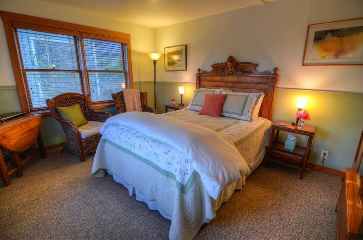 King Select Room - The Heron Inn & Day Spa