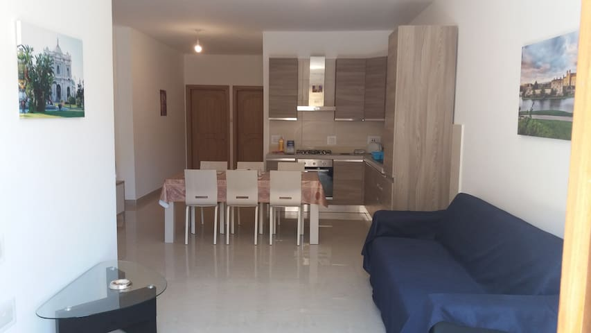 A New Warm Apartment Near The Airport - Ħal Safi - Leilighet