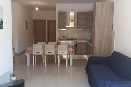 A New Warm Apartment Near The Airport - Ħal Safi - Apartment