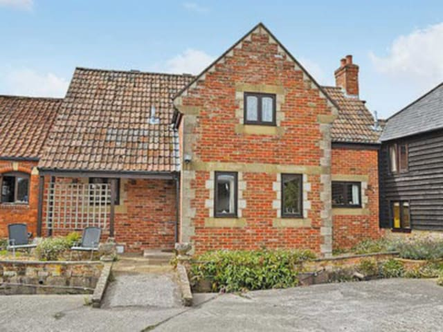 Henrietta Cottage (W7328)