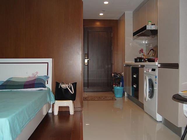 黎阳路精装两居室 - Hebi Shi - House