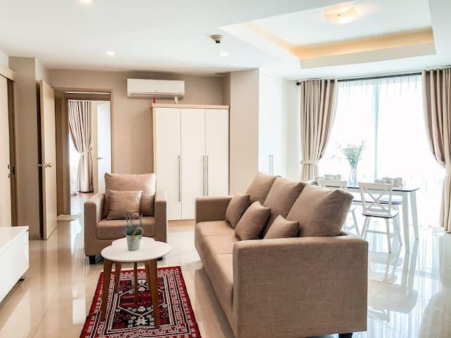 90sqm cozy lux 2BR apt 10min from Jakarta CBD
