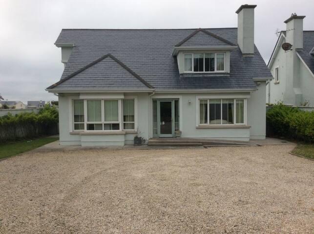 Walsheslough, Rosslare Strand, Co, Wexford - Rosslare Strand - House