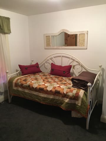 Trundle bed with 2nd mattress that pulls out if needed