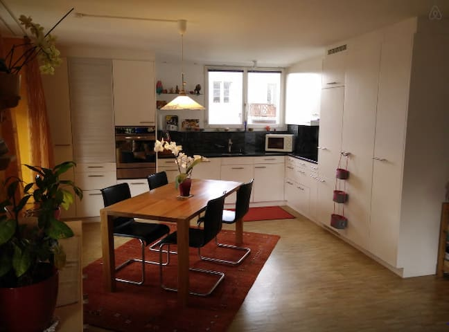 3 Double rooms apartment with private parking