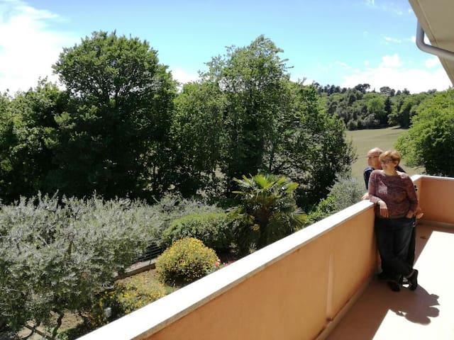 Piacere, siamo Paolo & Laura e siamo felici di ospitarvi !