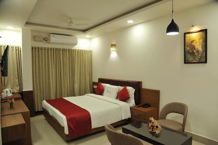 Air conditioned premium room with breakfast