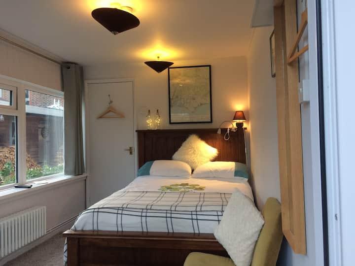Double Bedroom + En Suite, Near Sea