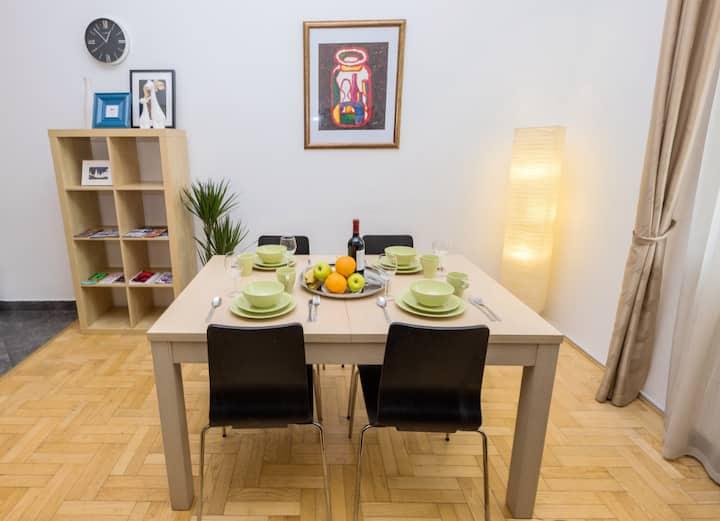 Trendy Gozsdu Apartment+2 Bedrooms +AC