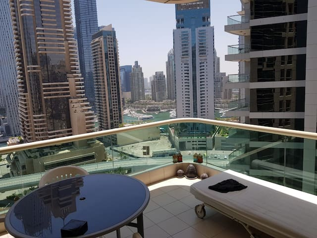 Room with private balcony near to JBR beach/Marina