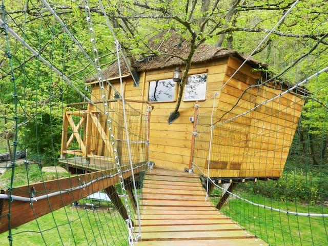 La cabane charmante de l'arbre - Chamigny - Domek na drzewie
