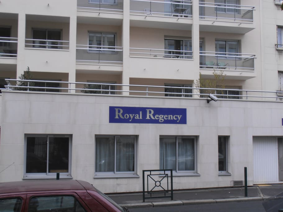 hotel club rdc jardin privatif parking Portes de Paris