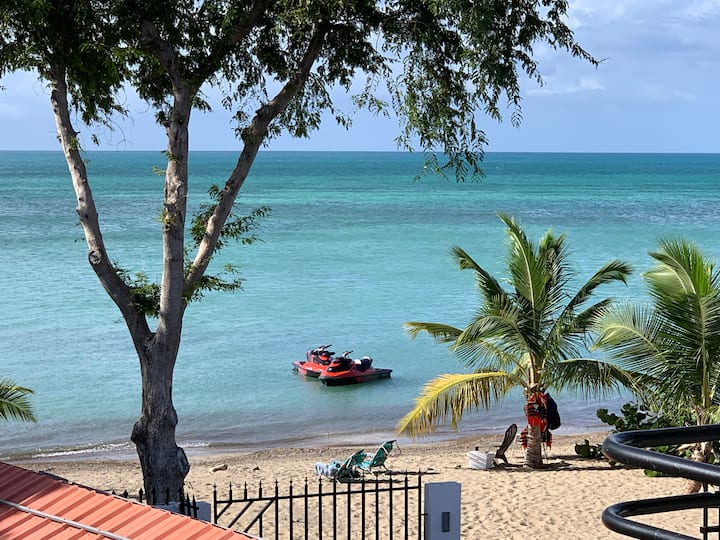 Enjoy oceanfront vacation @ Combate Beach Villa