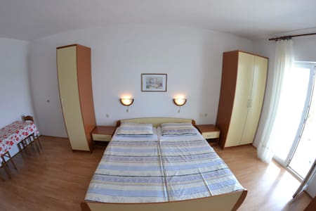 Apartments Matušan / One Bedroom A10 - Rab