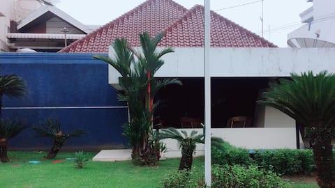 Juanda 55 Guest House Room 2