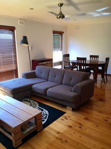 Relaxed summer living in self-contained unit - Port Noarlunga - Maison