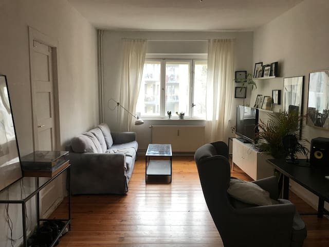 Lovely, bright 2-room-flat in the heart of Berlin!