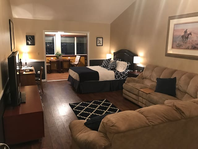 Guest suite in home on mountain near BYU. - Provo - Huis