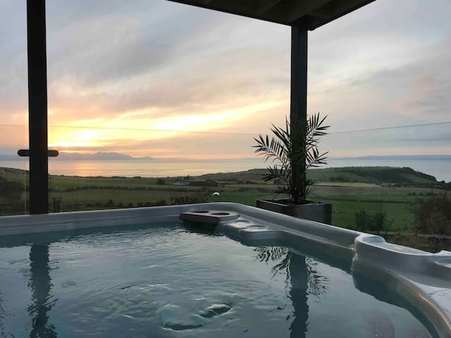 House with hot tub and views of Ayrshire coast