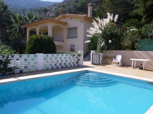 Villa With Stunning Views - Barx - Vila