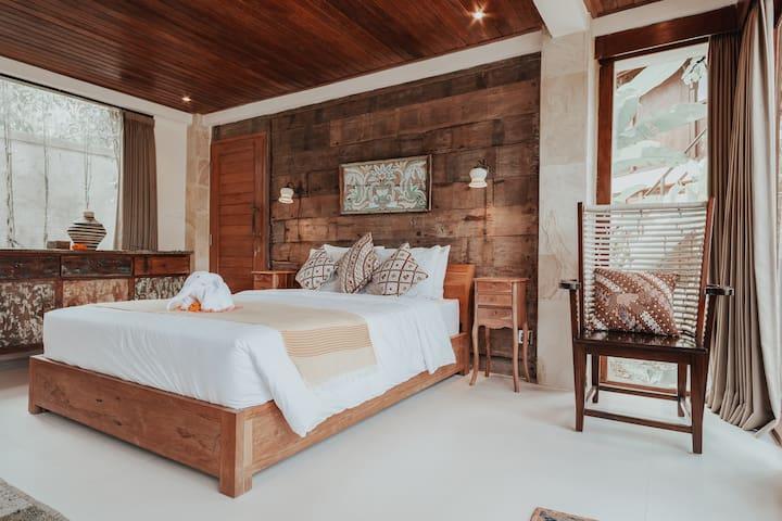 Rama Room: Spacious Room w/Poolside Deck ✦
