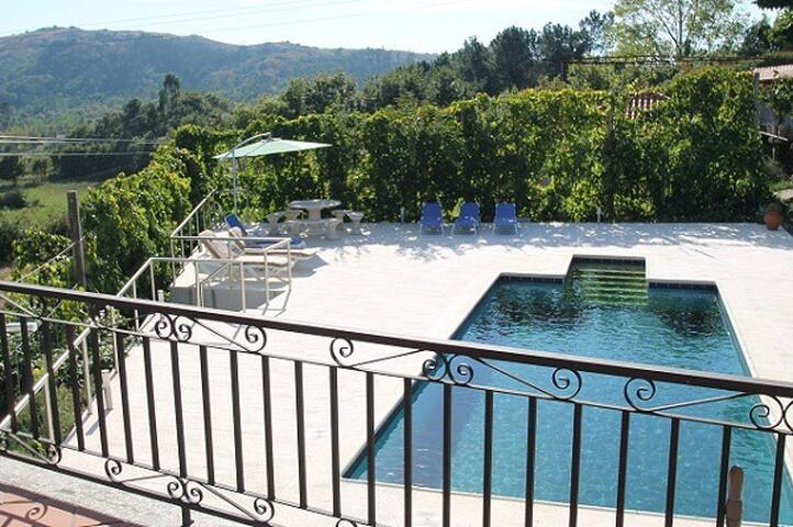 Quinta met zwembad voor 6 gasten (max. tot 13)