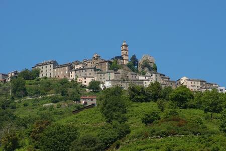 Maison de village Corse proche mer - Tox
