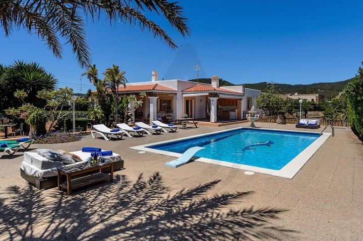 ELEPHANT HOUSE IBIZA, up to 6+4 guests