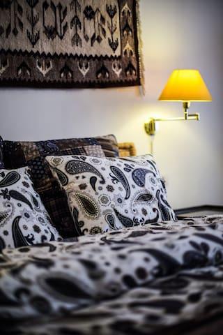 comfy bed, quality thick mattress, not cheap stuff!