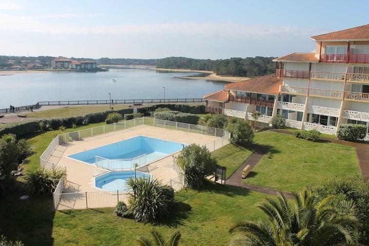 Appartement vue sur Lac marin et 400m plage